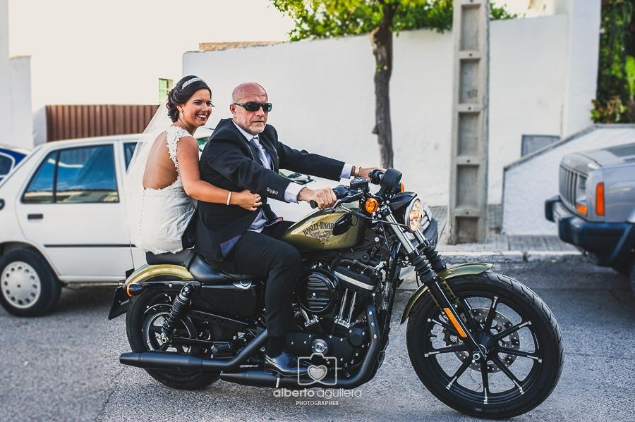 novia en moto
