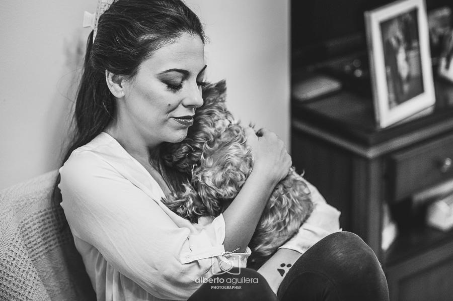 novia con su perro
